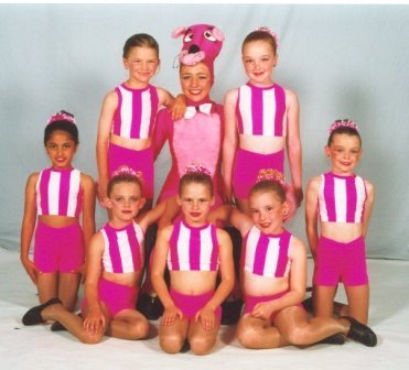 compr-2001-pink-panther_OpBpKj7AQ9SxRuw8AY78-371x336